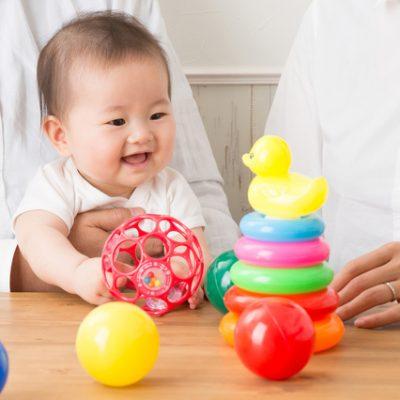 知育玩具と赤ちゃん